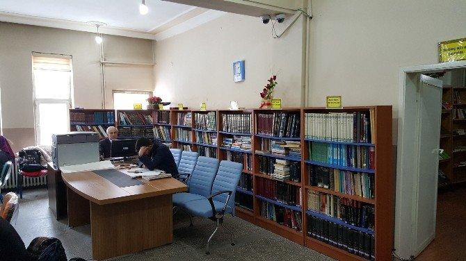 Bulanık Kütüphanesi Yenilendi