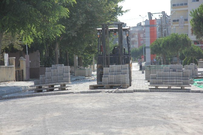 Burhaniye'ye 1 Yılda 47 Bin Metrekare Parke Taş Döşendi