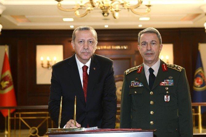 Cumhurbaşkanı Erdoğan Genelkurmay Karargahı'nda