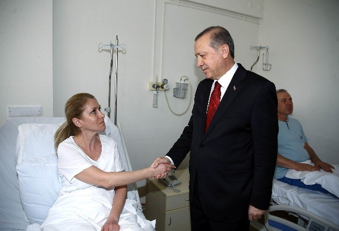 Cumhurbaşkanı Erdoğan'dan Hain Saldırıda Yaralanan Vatandaşlara Ziyaret