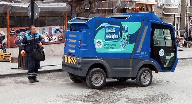 Odunpazarı'na Elektrikli Çöp Toplama Araçları