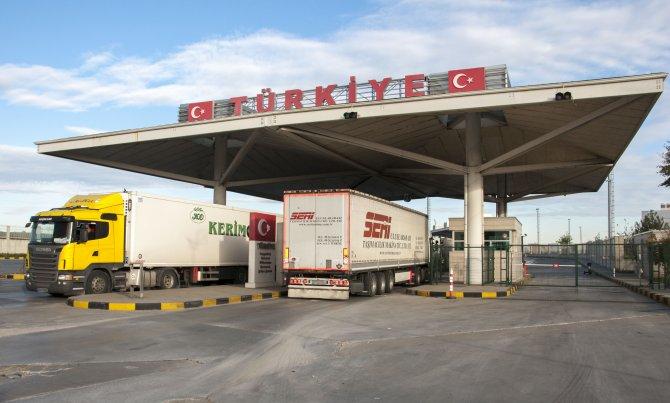 Kapıkule'de TIR griş-çıkış rekoru