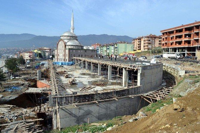 Belediyenin Büyük Projeleri Sürüyor
