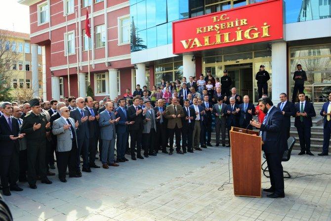 Türkmenlere yardım TIR'ları yola çıktı