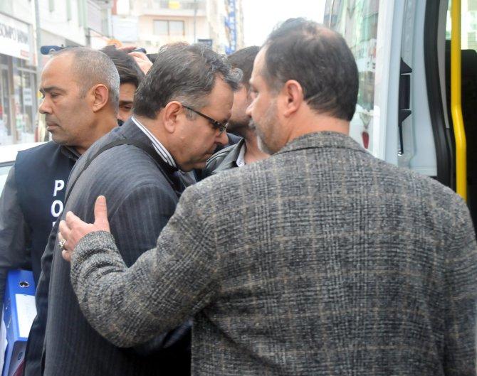 Manisa'da 'kurban, bağış, burs' baskını: 10 kişi gözaltına alındı