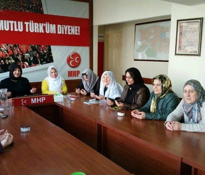 MHP'li Kadınlar Eskişehirli Şehit Yusuf Haldun Uslu İçin Yasin-i Şerif Okudu