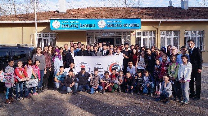 Tüdat'tan 2 Okula Kütüphane