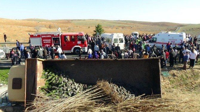 Öğrenci Servisiyle Kamyon Çarpıştı: 15 Yaralı
