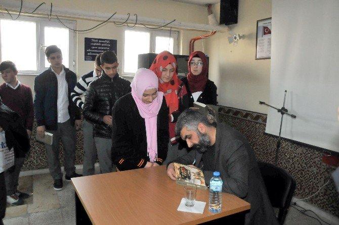 Senarist-yazar Ahmet Turgut Öğrencilerle Buluştu