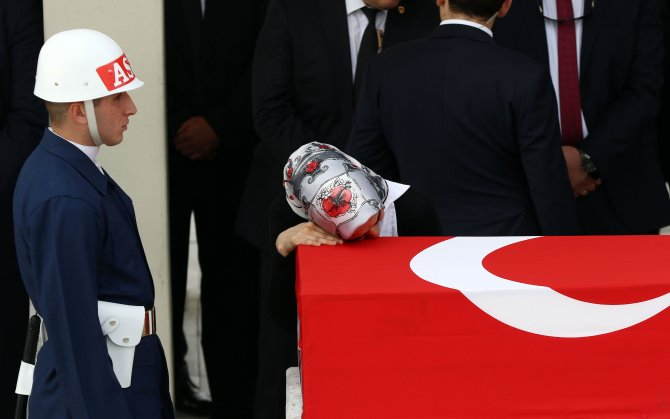 Jandarma Astsubay Çil Ankara'da gözyaşlarıyla uğurlandı