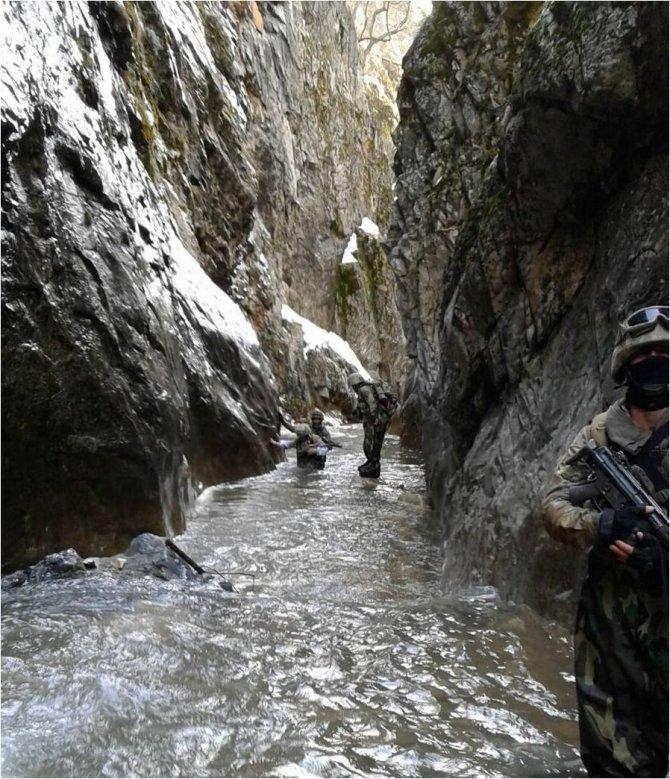 Tunceli'de PKK'nın kış kampına operasyon