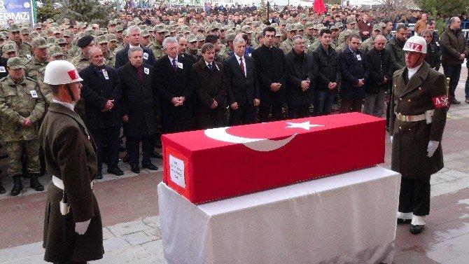 Şehit Astsubay Özdemir Dualarla Toprağa Verildi