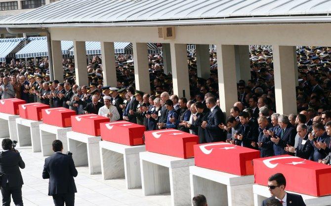 Patlamada ölenlerden 8 kişi Kocatepe Camii'nden uğurlandı