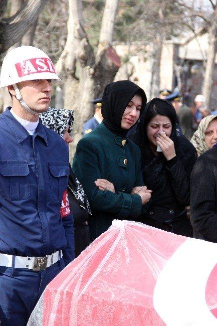 Kayseri'nin İlk Kadın Şehidi Duvağıyla Uğurlandı