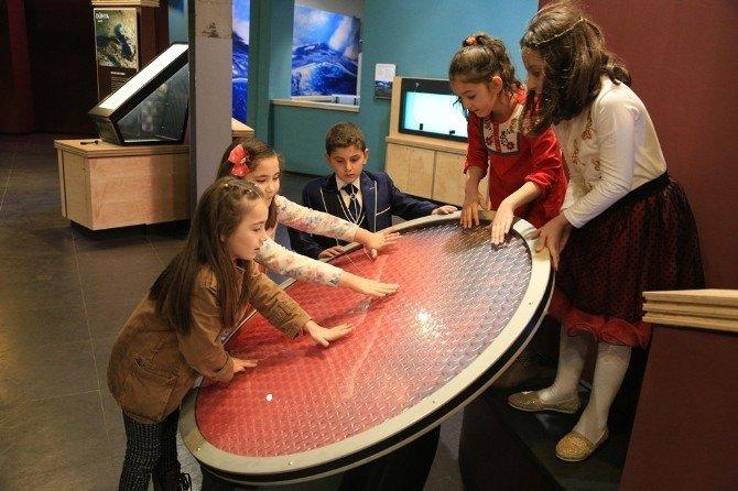 'Dinamik Dünya Galerisi' Bilim Müzesi'nde Açılıyor