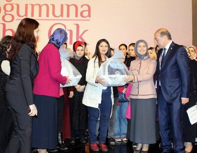 Başbakan Ahmet Davutoğlu'nun Eşi Dr. Sare Davutoğlu: