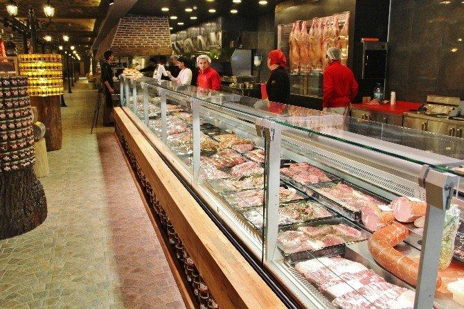 Dünyanın En Büyük ET Restoranı Açıldı