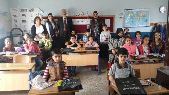 Düzce Üniversitesi Genç MÜSİAD Topluluğu Öğrencileri Sevindirdi