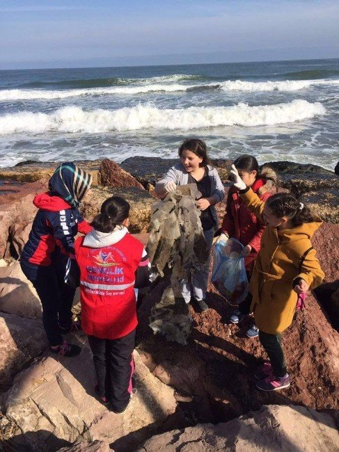 Fatsa'da Gençler Mıntıka Temizliği Yaptı
