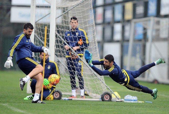 Fenerbahçe, Bursaspor Maçı Hazırlıklarını Sürdürüyor