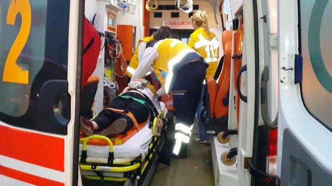 Üst Geçidi Kullanmayan Yayaya Ambulans Çarptı