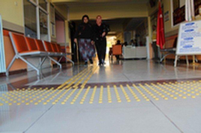 Gemerek Devlet Hastanesi'nde Engeller Kaldırılıyor