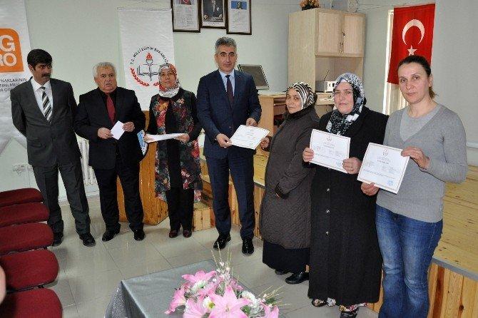 Torul'da Kadın Çiftçilere Sertifikaları Verildi