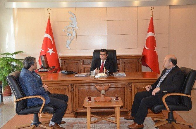 Kayseri Kapalı Çarşısı Dernek Yönetimi Vali Düzgün'ü Ziyaret Etti