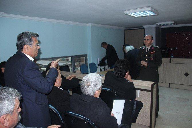 Jandarma Muhtarları Hırsızlık Olaylarına Karşı Bilgilendirdi