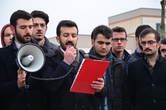 KOÜ'lü Öğrencilerden Terör Olaylarına Tepki