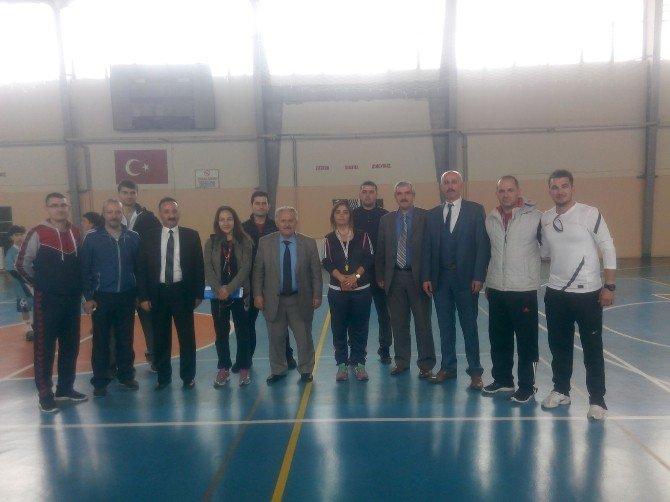Koçarlı'da Badminton Turnuvası Düzenlendi
