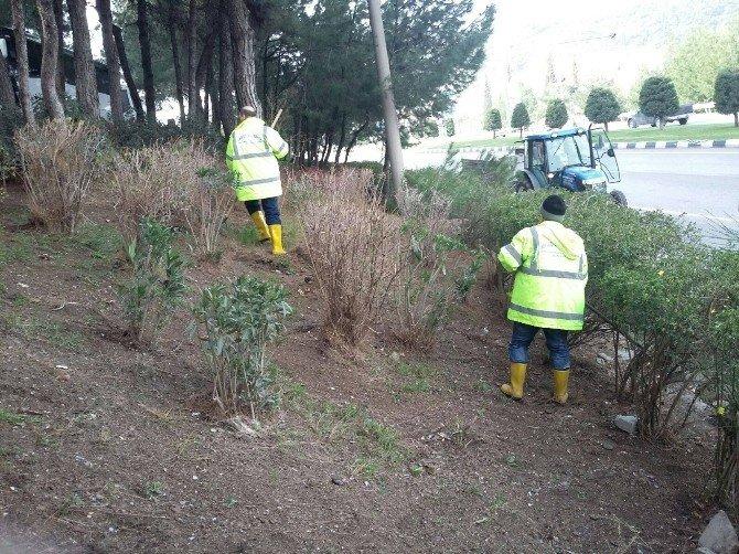 Manisa Büyükşehir Belediyesi Temizlikte Titiz Davranıyor
