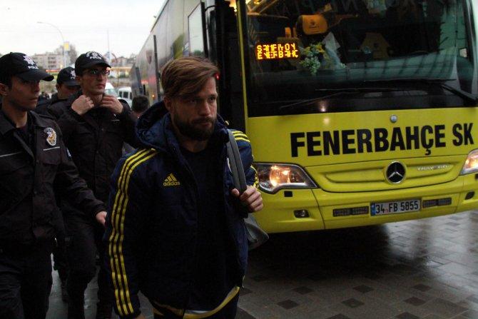 Fenerbahçe'yi Bursa'da taraftarları karşıladı