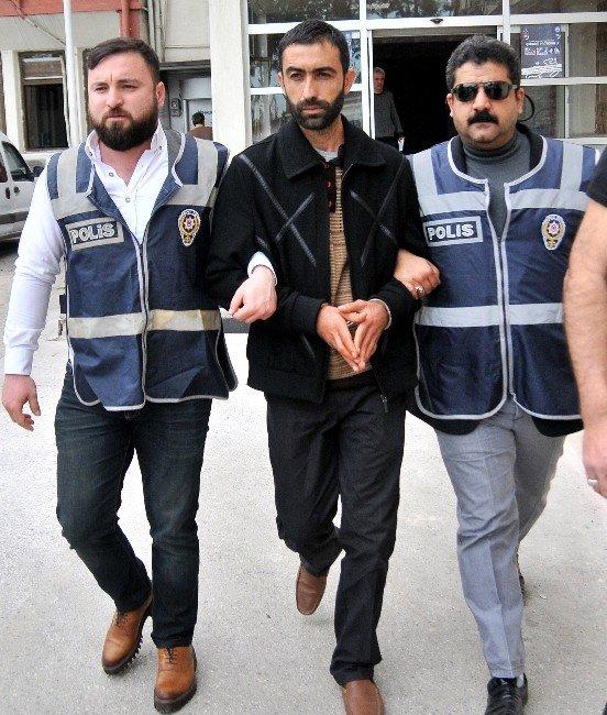 Mersin'deki Cinayet Zanlısı İzmir'de Yakalandı