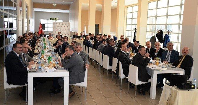 """Vali Altıparmak: """"Erzurum Spor Şehrinden Öte, Spor Merkezi Olmalı"""""""