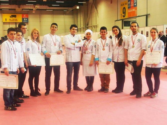Aşçılık öğrencilerinden uluslararası başarı