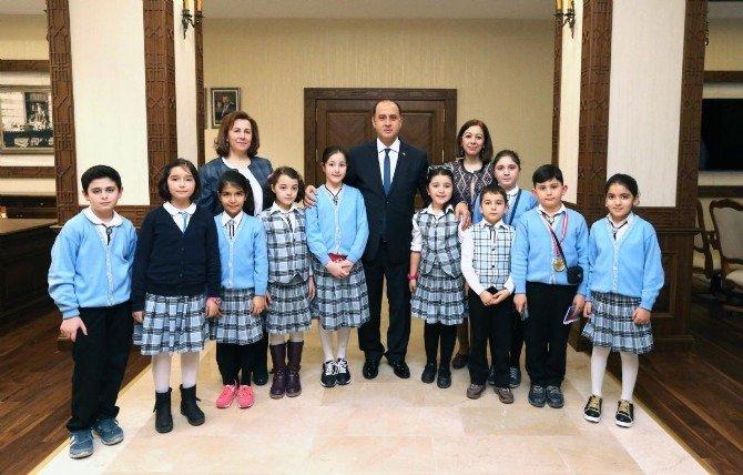 Merzifon Atatürk İlkokulu'ndan Vali Çomaktekin'e Ziyaret