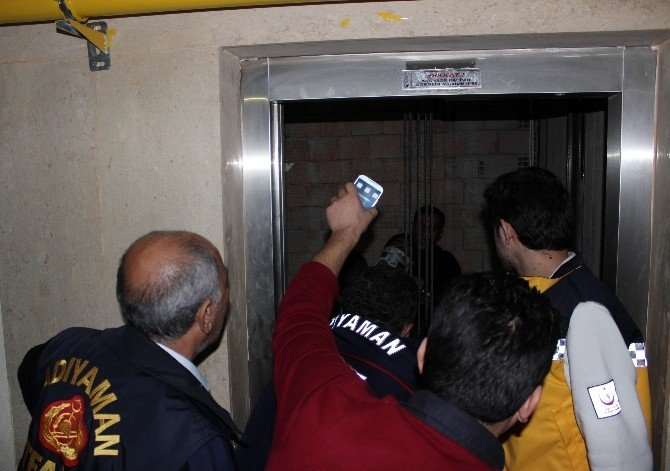 Asansör Boşluğunda Can Pazarı