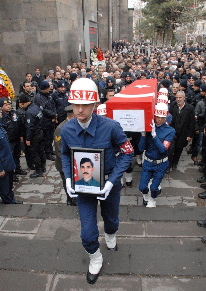 Şehit işçi Mevlüt Öksüzoğlu gözyaşlarıyla uğurlandı