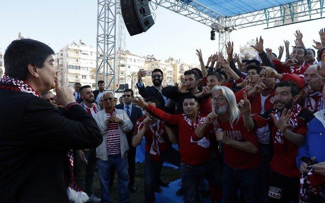 """Antalya'nın Yarım Asırlık """"Atatürk Stadı"""" Yıkılıyor"""
