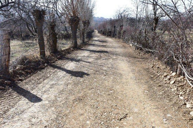 Orduzu'da, Yol Genişletme Ve Düzenleme Çalışması Yapıldı
