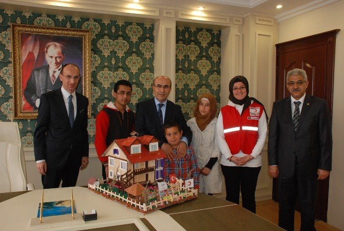Suriyeli Sığınmacılardan Vali Mahmut Demirtaş'a Ziyaret