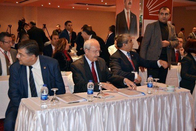 CHP Lideri Kılıçdaroğlu, CHP İstanbul İl Başkanlığı'nın Çalışma Ve Değerlendirme Toplantılarına Katıldı