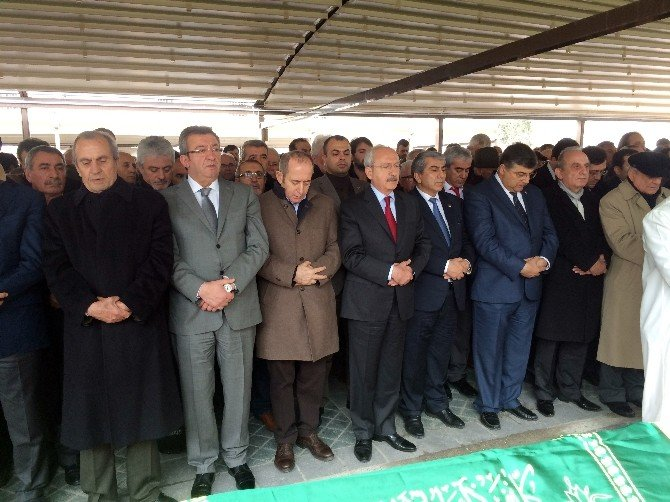 CHP Lideri Kemal Kılıçdaroğlu, Cenaze Törenine Katıldı