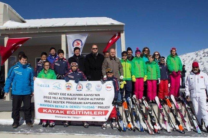 Denizli'de 650 Öğrenciye Kayak Dersi