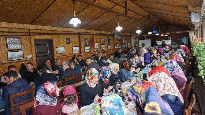 Hafızlık Kur'an Kursları Aile Birliği'den Tanışma Kahvaltısı