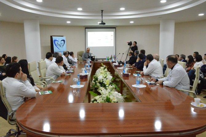 Fatih Üniversitesi ve Azerbaycan Tıp Üniversitesi doktorları Bakü'de buluştu