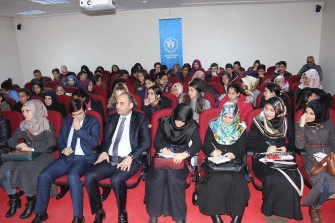 Yazar Metin Karabaşoğlu Gençlerle Hasbihal Yaptı