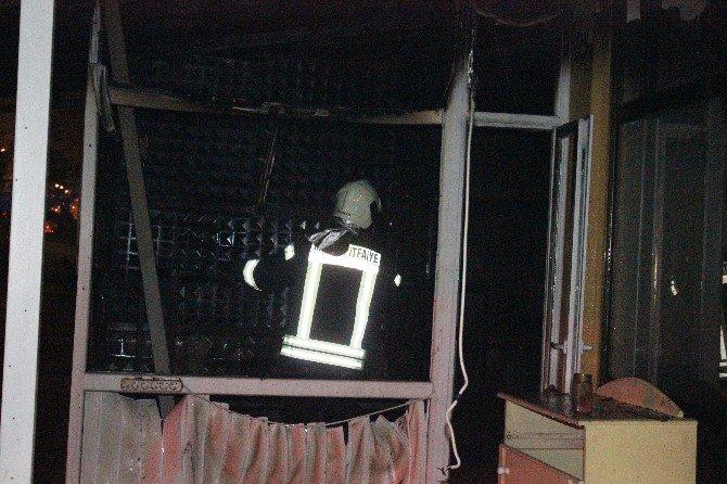 Salihli'de Kafeterya Yangını