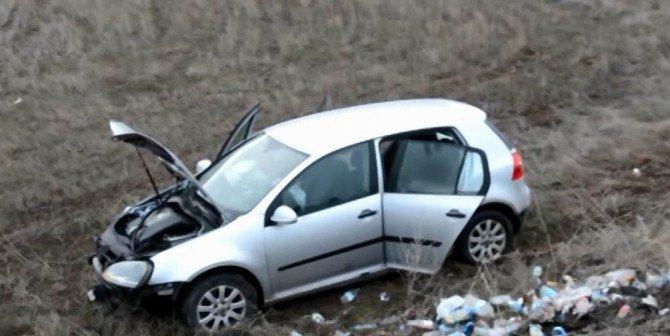 Otomobiline Çarpan Sürücüyü Tekme Tokat Dövdü